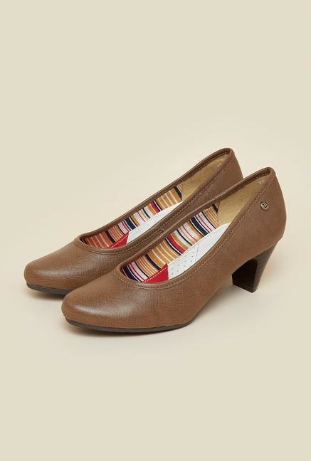 La Briza Brown Block Pumps