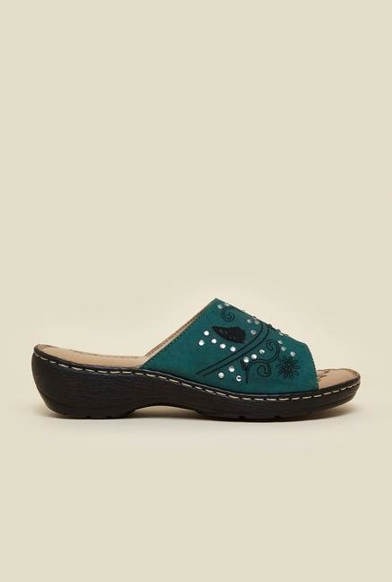 La Briza Green Wedges