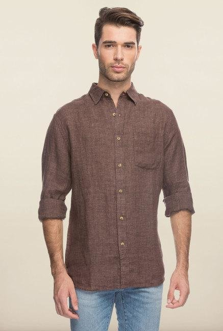 Cottonworld Brown Solid Slim Fit Casual Shirt