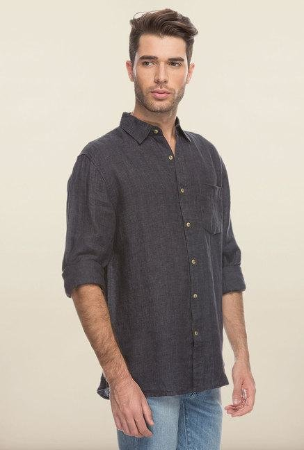Cottonworld Black Solid Slim Fit Casual Shirt