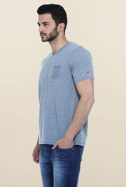 Basics Blue Solid Slim fit T-Shirt