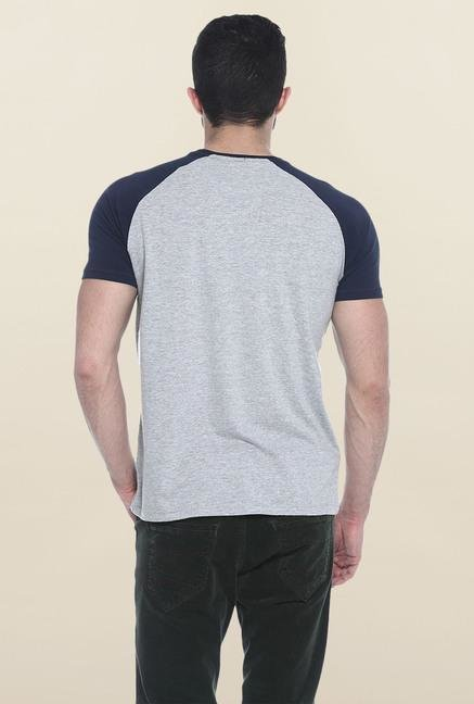 Basics Grey Solid Slim fit T-Shirt