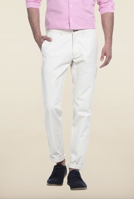 Basics Off-White Solid Straight Fit Cotton Chinos