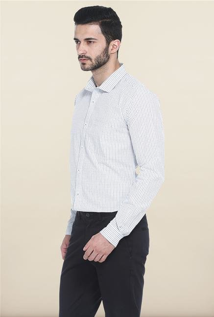 Basics Blue And White Checks Casual Shirt