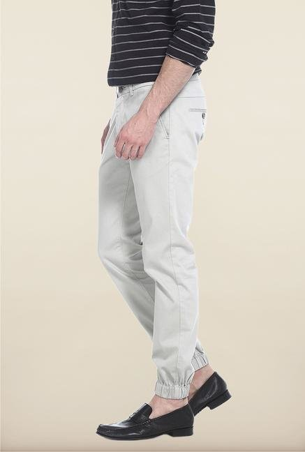 Basics Off-White Solid Straight Fit Chinos