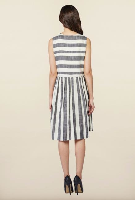 AND Grey & White Casual Dress