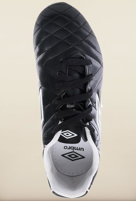 Umbro Black Football Shoes