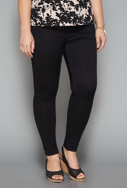 Gia Black Solid Jeans