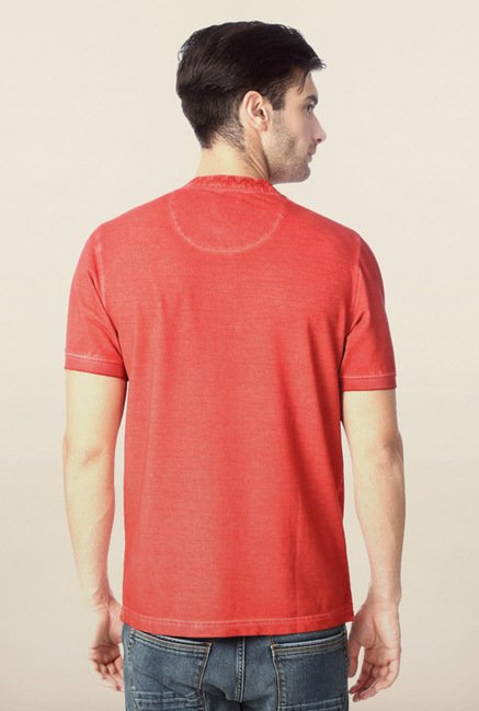 Peter England Red Solid Henley T-Shirt