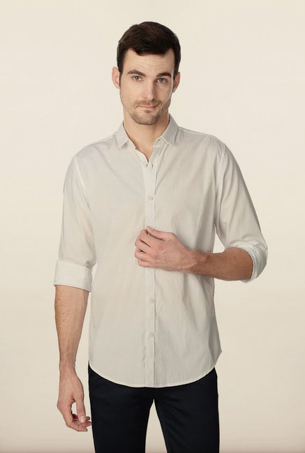 Peter England White Solid Slim Fit Shirt