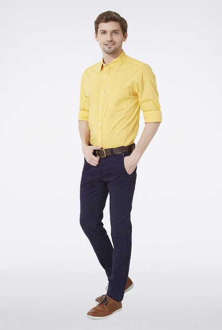 Peter England Yellow Solid Slim fit Casual Shirt
