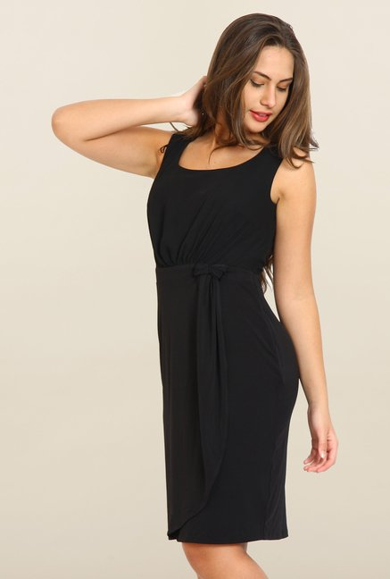 Avirate Black Solid U Neck Casual Dress