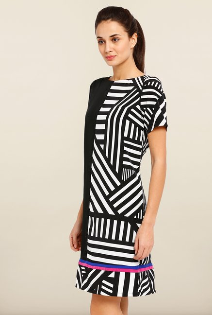 Avirate Black Printed Short Sleeves Shift Dress