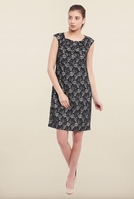 Avirate Black Printed Shift Dress