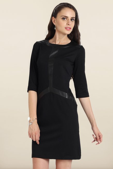 Avirate Black Solid Shift Dress