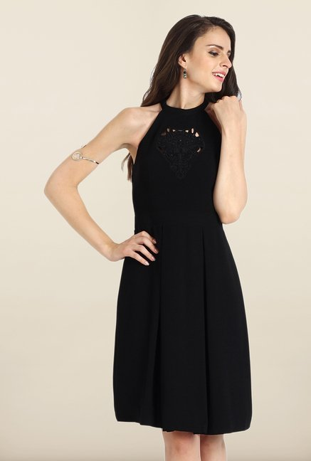 Avirate Black Solid Halter Neck Casual Dress
