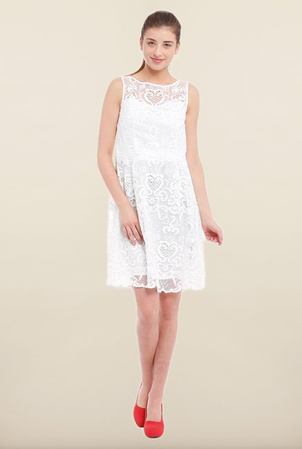 Avirate White Lace Sleeveless Shift Dress