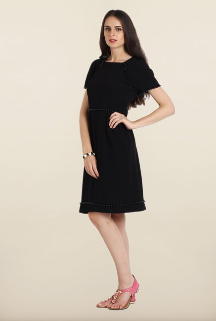Avirate Black Solid Short Sleeves A-Line Dress