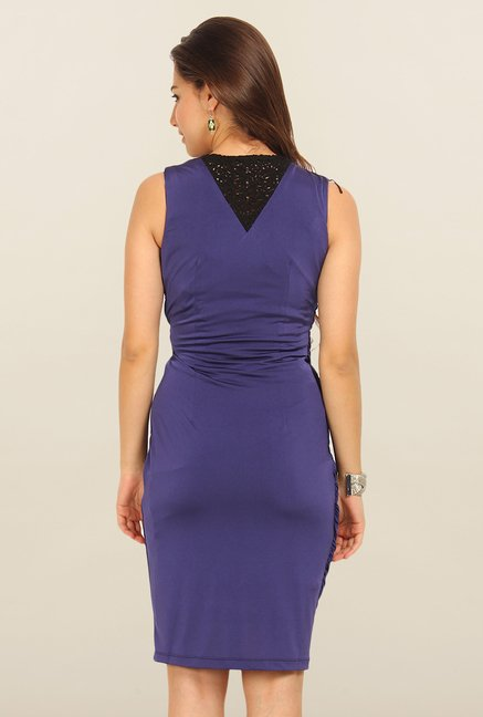 Avirate Blue Solid V Neck Casual Dress
