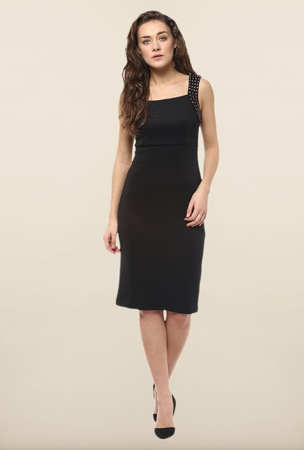 Avirate Black Solid Bodycon Dress