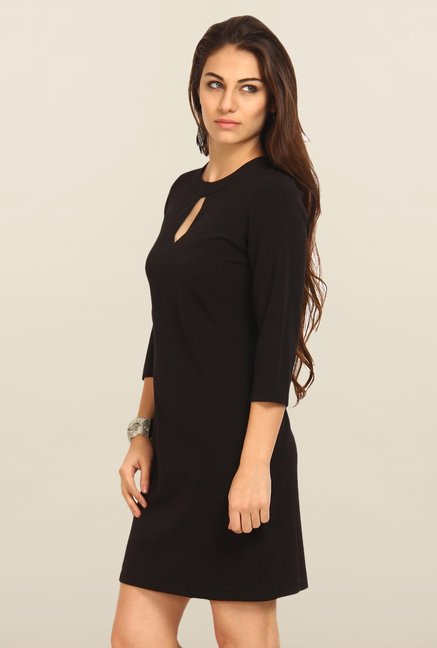 Avirate Black Solid Casual Shift Dress
