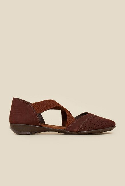 Metro Brown Cross Strap Sandals