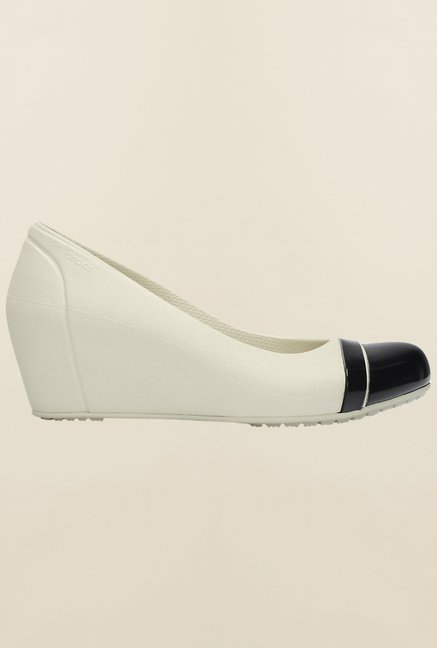 Crocs Cap Toe White & Black Sandals