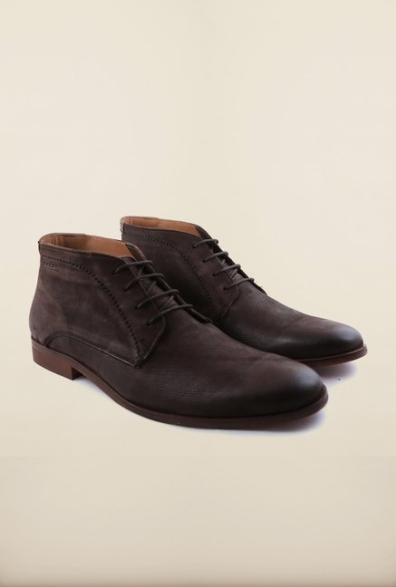 Arrow Brown Leather Chukka Boots