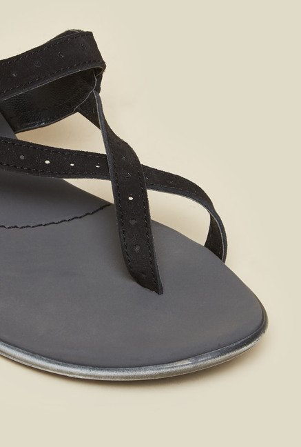 Metro Black Criss-Cross Sandals