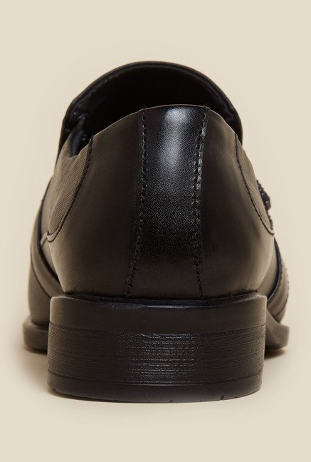 Metro Black Textured Derby Shoes
