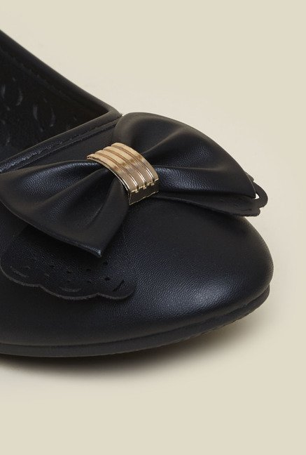 Metro Black Slip-On Ballerinas