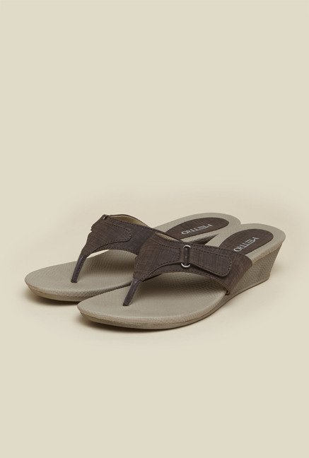 Metro Brown Slip-On Sandals