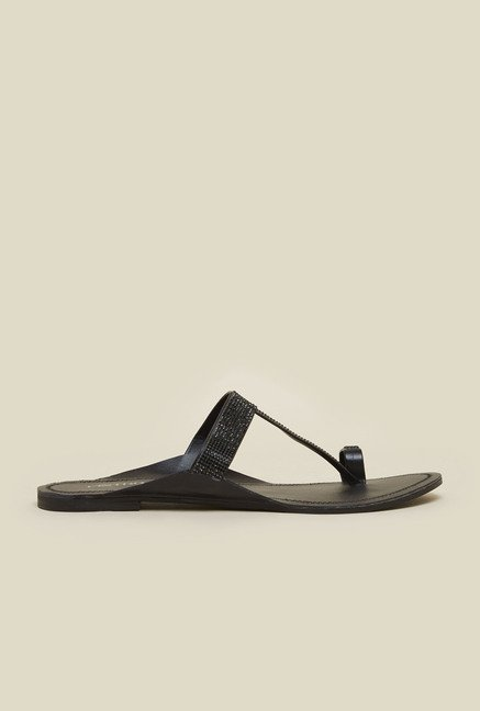 Metro Black Kolhapuri Sandals