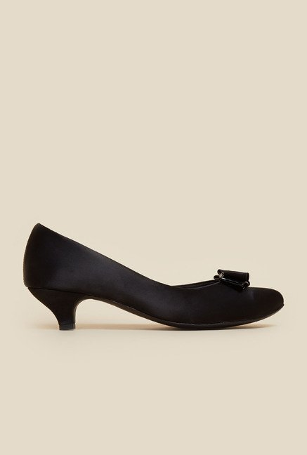 Metro Black Slip-On Pumps