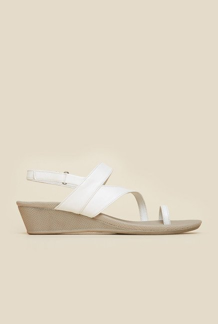 Metro White Toe Ring  Wedge Sandals