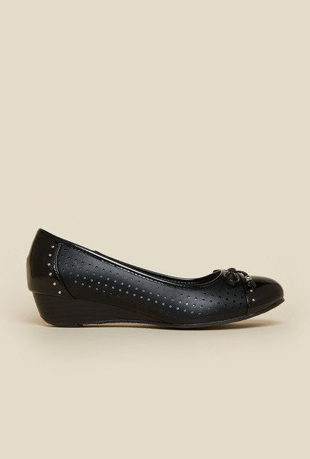 Metro Black Embellished Ballet Shoes