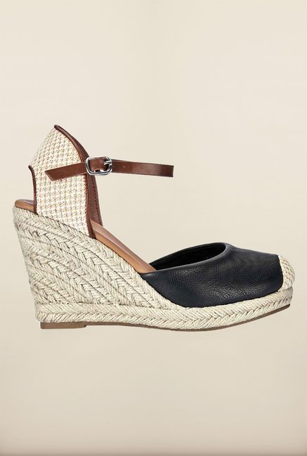 Tresmode Respain Black Wedges