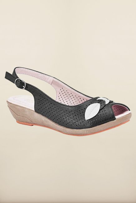 Tresmode Besumsan Black Wedges