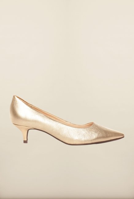 Pavers England Golden Pumps