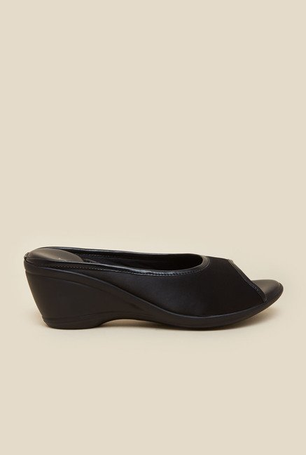 Metro Black Casual Wedges