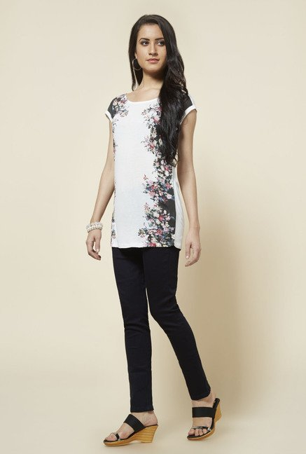 Zudio White Lucy Printed Top