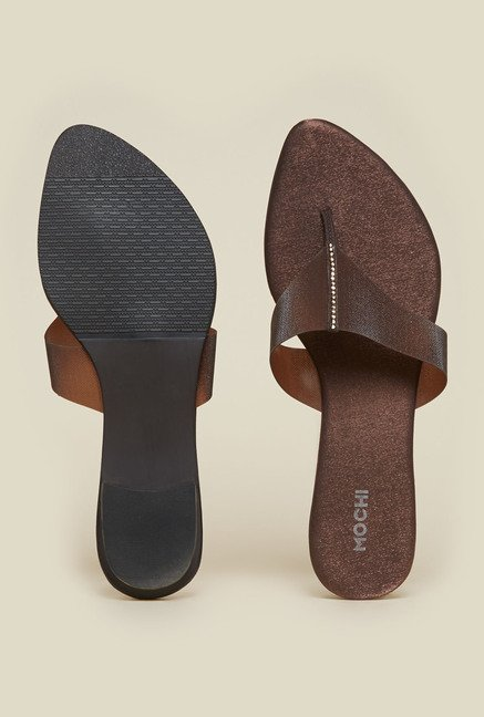 Mochi Brown Flat Thong Sandals