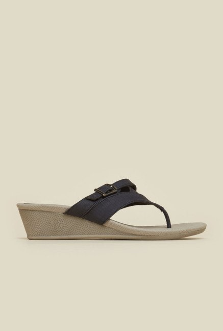 Mochi Black Thong Wedges
