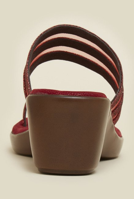 Mochi Maroon Toe Ring Wedge Sandals