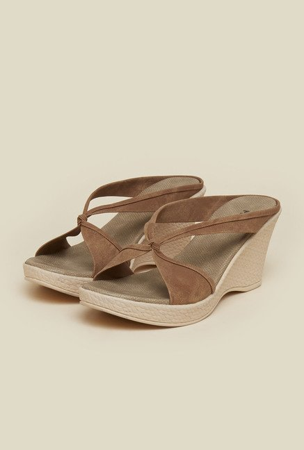 Mochi Chikoo Cross Strap Sandals