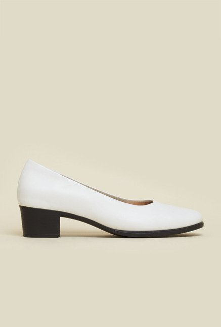Mochi White Formal Pumps