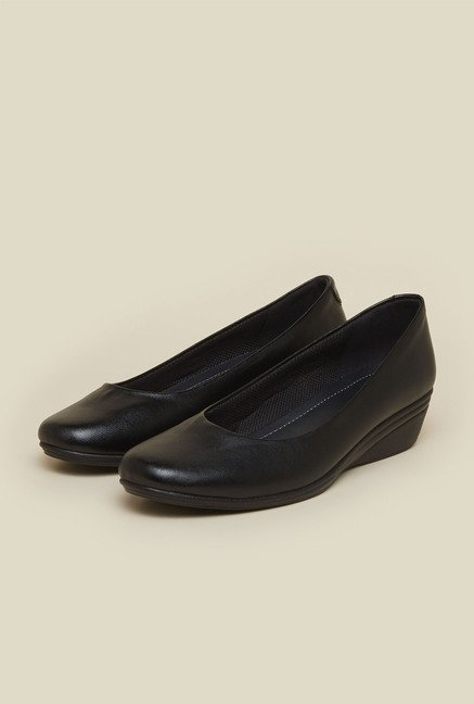 Mochi Black Wedge Heel Shoes