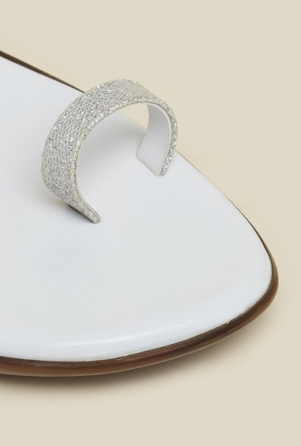 Mochi White Toe Ring Wedge Sandals