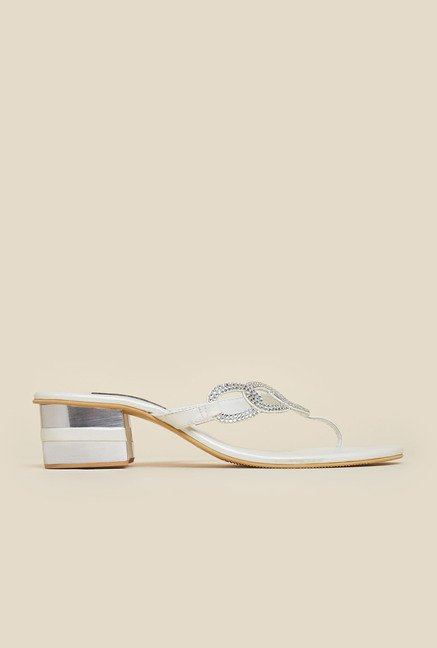 Mochi White Diamond Embossed Sandals