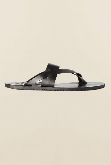 Van Heusen Black Cross Strap Sandals